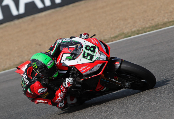 1.ApriliaRacing_Laverty