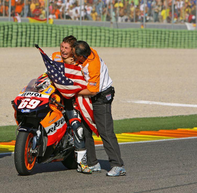 2006: Logra el Campeonato del Mundo de MotoGp