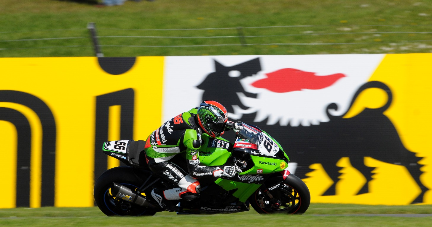 Donington_Sykes_action