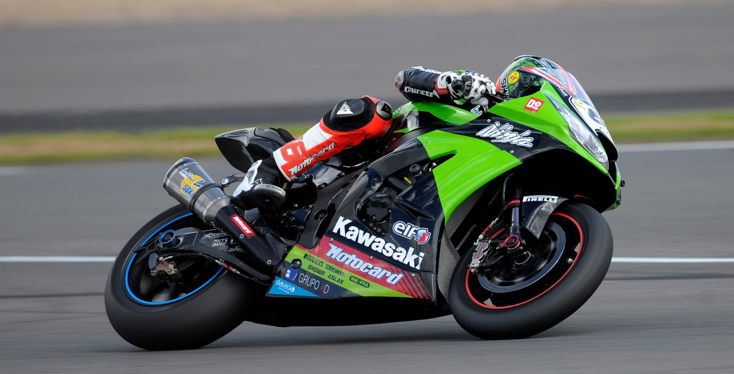 Silverstone_Sykes_action