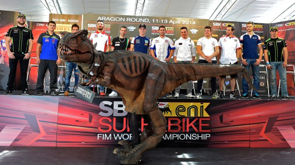 0014_p02_riders_press_conference_2_big