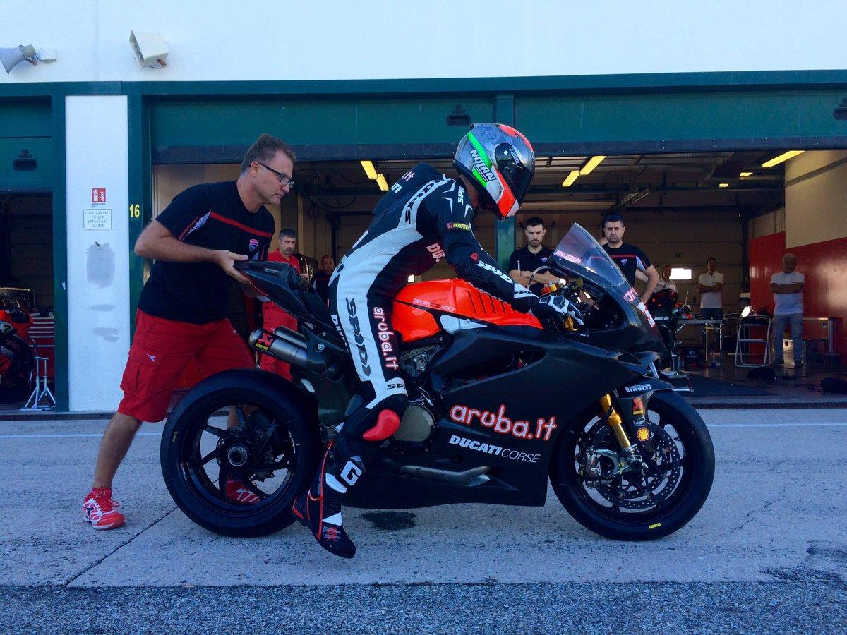 Melandri-Test-Ducati-Misano