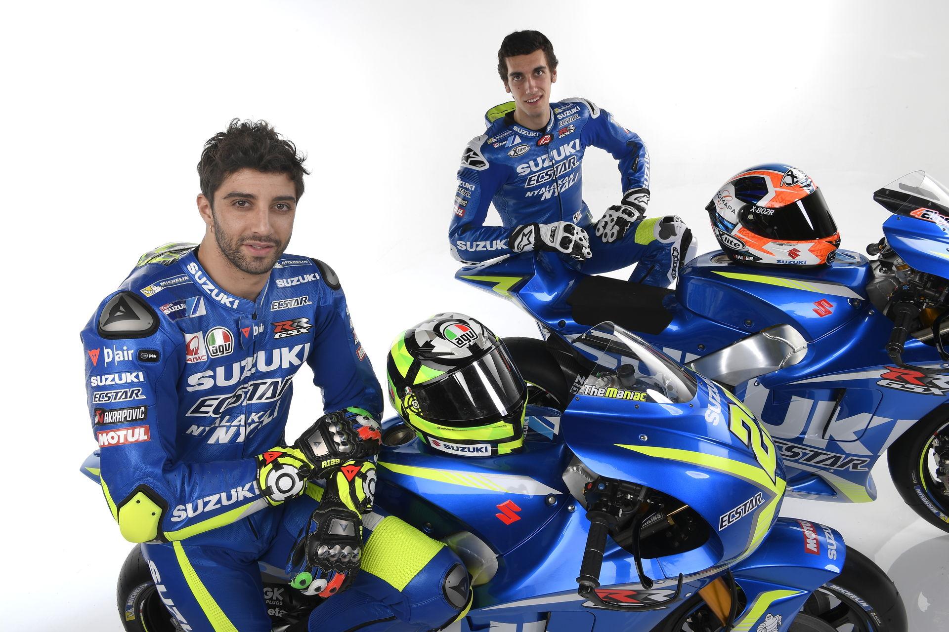 Team Suzuki MotoGP 2017 Iannone Rins GSX-RR-009
