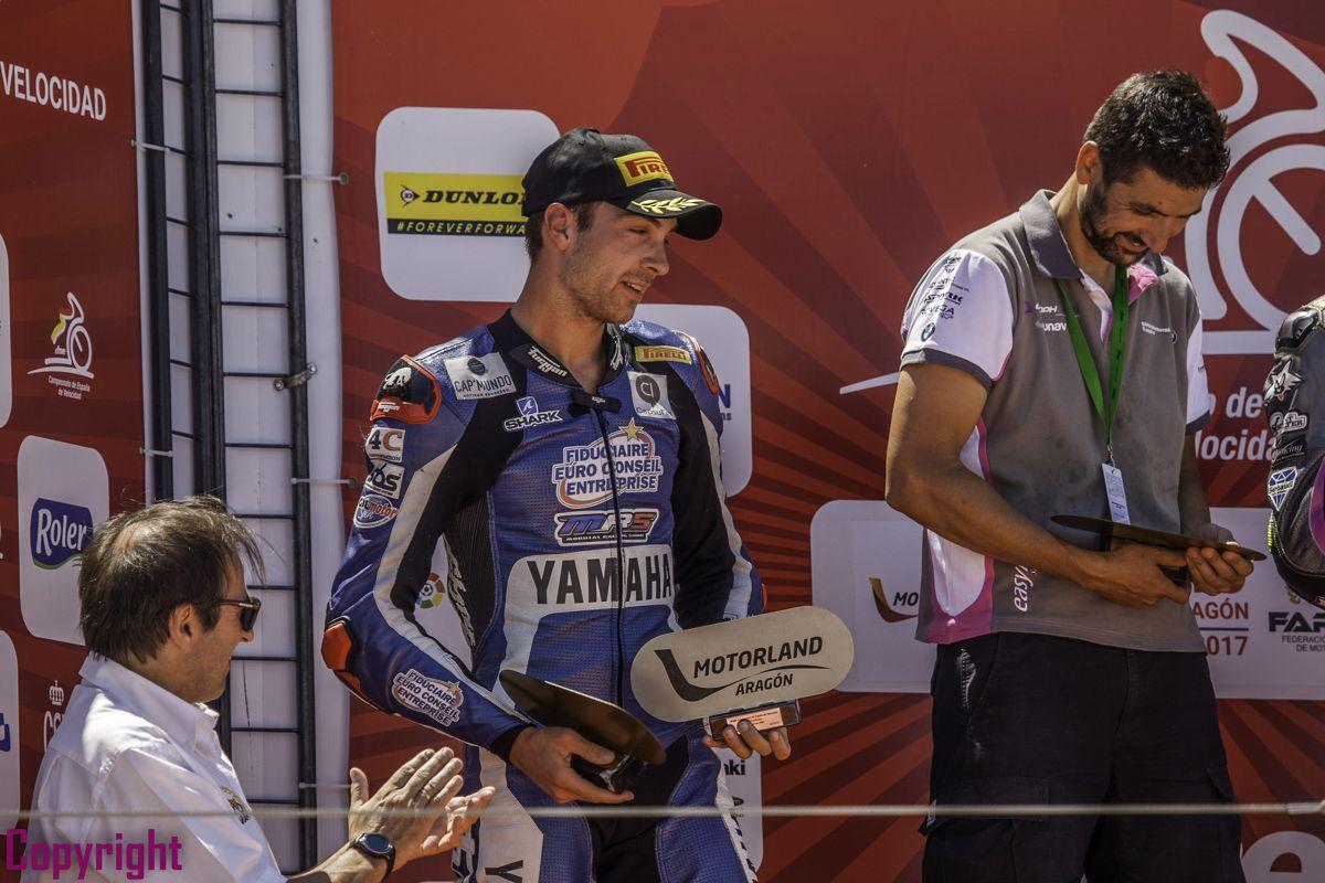 Chris Ponsson en el podium del Circuito de Aragón