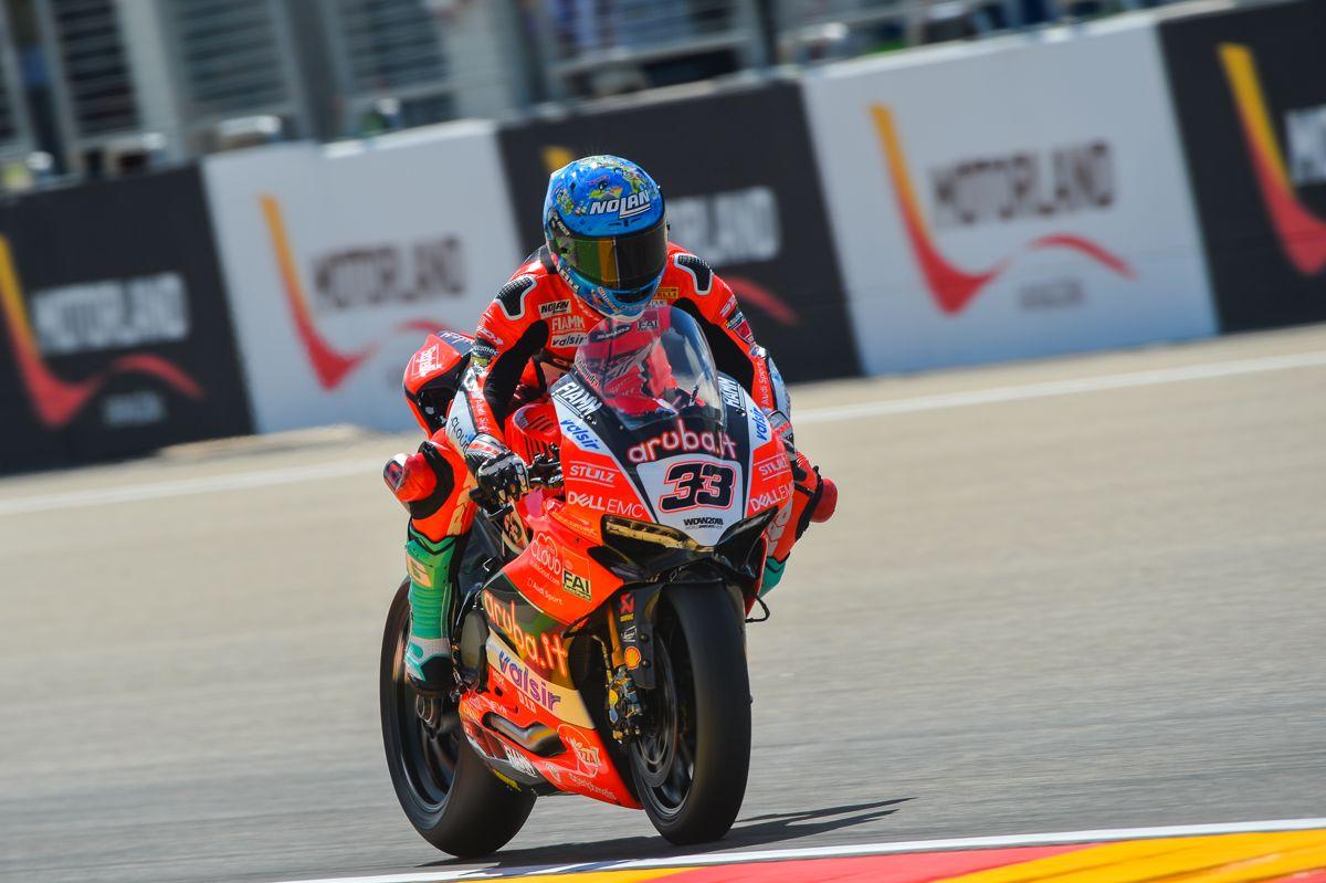 Marco Melandri durante los entrenamientos libres del Campeonato del Mundo de Superbike en Motorland